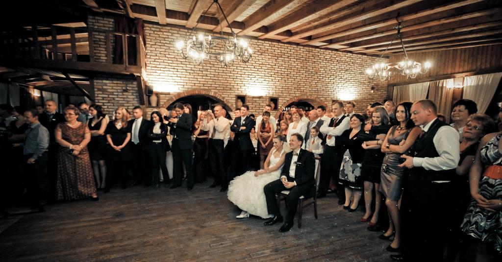 iluzjonista na weselu - iluzja sceniczna